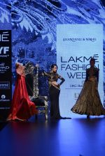 Malaika Arora Khan walk the ramp for Shantanu and Nikhil Show at Lakme Fashion Week 2016 on 27th Aug 2016 (1780)_57c2c808334a1.JPG