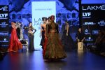 Malaika Arora Khan walk the ramp for Shantanu and Nikhil Show at Lakme Fashion Week 2016 on 27th Aug 2016 (1783)_57c2c8129d7f0.JPG