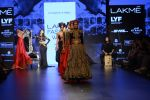 Malaika Arora Khan walk the ramp for Shantanu and Nikhil Show at Lakme Fashion Week 2016 on 27th Aug 2016 (1784)_57c2c815bda3b.JPG