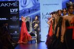 Malaika Arora Khan walk the ramp for Shantanu and Nikhil Show at Lakme Fashion Week 2016 on 27th Aug 2016 (1788)_57c2c823272ea.JPG