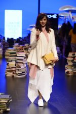 Manasi Scott walk the ramp for Rajesh Pratap Singh Show at Lakme Fashion Week 2016 on 27th Aug 2016 (15)_57c2dab729f66.JPG