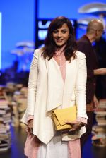 Manasi Scott walk the ramp for Rajesh Pratap Singh Show at Lakme Fashion Week 2016 on 27th Aug 2016 (26)_57c2dad5a6a19.JPG