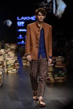 Model walk the ramp for Rajesh Pratap Singh Show at Lakme Fashion Week 2016 on 27th Aug 2016 (215)_57c2dcf56e3f8.JPG