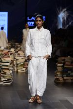 Model walk the ramp for Rajesh Pratap Singh Show at Lakme Fashion Week 2016 on 27th Aug 2016 (483)_57c2df2c321ac.JPG