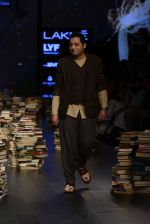 Model walk the ramp for Rajesh Pratap Singh Show at Lakme Fashion Week 2016 on 27th Aug 2016 (493)_57c2df3d38151.JPG