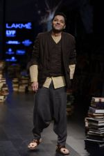 Model walk the ramp for Rajesh Pratap Singh Show at Lakme Fashion Week 2016 on 27th Aug 2016 (500)_57c2df4862943.JPG