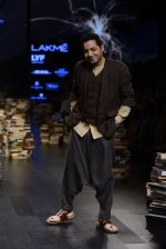 Model walk the ramp for Rajesh Pratap Singh Show at Lakme Fashion Week 2016 on 27th Aug 2016 (506)_57c2df52371d8.JPG