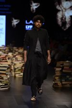 Model walk the ramp for Rajesh Pratap Singh Show at Lakme Fashion Week 2016 on 27th Aug 2016 (124)_57c2dbf7a5fff.JPG