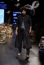 Model walk the ramp for Rajesh Pratap Singh Show at Lakme Fashion Week 2016 on 27th Aug 2016 (126)_57c2dbff54494.JPG