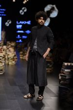Model walk the ramp for Rajesh Pratap Singh Show at Lakme Fashion Week 2016 on 27th Aug 2016 (128)_57c2dc046fed6.JPG
