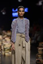 Model walk the ramp for Rajesh Pratap Singh Show at Lakme Fashion Week 2016 on 27th Aug 2016 (150)_57c2dc5e0b14b.JPG