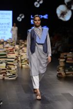 Model walk the ramp for Rajesh Pratap Singh Show at Lakme Fashion Week 2016 on 27th Aug 2016 (171)_57c2dc917aed9.JPG
