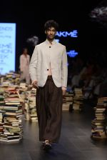 Model walk the ramp for Rajesh Pratap Singh Show at Lakme Fashion Week 2016 on 27th Aug 2016 (263)_57c2dd67a1ae9.JPG