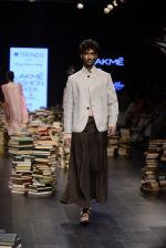 Model walk the ramp for Rajesh Pratap Singh Show at Lakme Fashion Week 2016 on 27th Aug 2016 (264)_57c2dd6a3a912.JPG