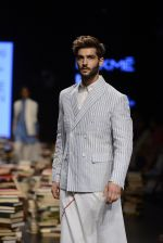 Model walk the ramp for Rajesh Pratap Singh Show at Lakme Fashion Week 2016 on 27th Aug 2016 (323)_57c2ddde3ffdf.JPG