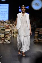Model walk the ramp for Rajesh Pratap Singh Show at Lakme Fashion Week 2016 on 27th Aug 2016 (346)_57c2de1077a78.JPG