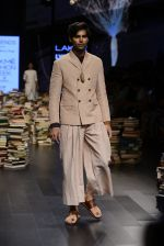 Model walk the ramp for Rajesh Pratap Singh Show at Lakme Fashion Week 2016 on 27th Aug 2016 (398)_57c2de8b04a77.JPG