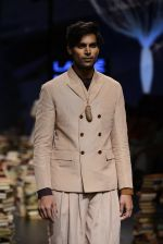 Model walk the ramp for Rajesh Pratap Singh Show at Lakme Fashion Week 2016 on 27th Aug 2016 (401)_57c2de9368011.JPG