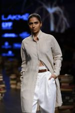 Model walk the ramp for Rajesh Pratap Singh Show at Lakme Fashion Week 2016 on 27th Aug 2016 (474)_57c2df1a06a02.JPG