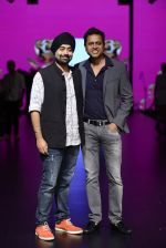 Model walk the ramp for Shantanu and Nikhil Show at Lakme Fashion Week 2016 on 27th Aug 2016 (1077)_57c2d166a4eb4.JPG