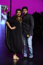 Model walk the ramp for Shantanu and Nikhil Show at Lakme Fashion Week 2016 on 27th Aug 2016 (1088)_57c2d185c8ee5.JPG