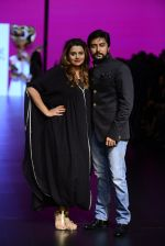 Model walk the ramp for Shantanu and Nikhil Show at Lakme Fashion Week 2016 on 27th Aug 2016 (1094)_57c2d1994e1ca.JPG