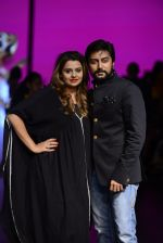 Model walk the ramp for Shantanu and Nikhil Show at Lakme Fashion Week 2016 on 27th Aug 2016 (1096)_57c2d19f62a14.JPG
