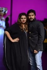 Model walk the ramp for Shantanu and Nikhil Show at Lakme Fashion Week 2016 on 27th Aug 2016 (1099)_57c2d1a81dd86.JPG