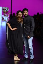 Model walk the ramp for Shantanu and Nikhil Show at Lakme Fashion Week 2016 on 27th Aug 2016 (1102)_57c2d1b743a40.JPG
