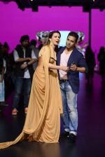 Model walk the ramp for Shantanu and Nikhil Show at Lakme Fashion Week 2016 on 27th Aug 2016 (1162)_57c2d1ee7809a.JPG