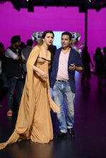 Model walk the ramp for Shantanu and Nikhil Show at Lakme Fashion Week 2016 on 27th Aug 2016 (1163)_57c2d1f35f932.JPG