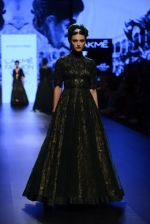 Model walk the ramp for Shantanu and Nikhil Show at Lakme Fashion Week 2016 on 27th Aug 2016 (1287)_57c2d2df752d2.JPG