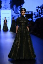Model walk the ramp for Shantanu and Nikhil Show at Lakme Fashion Week 2016 on 27th Aug 2016 (1288)_57c2d2e122001.JPG