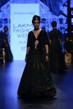 Model walk the ramp for Shantanu and Nikhil Show at Lakme Fashion Week 2016 on 27th Aug 2016 (1297)_57c2d2efef9a8.JPG