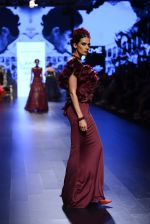 Model walk the ramp for Shantanu and Nikhil Show at Lakme Fashion Week 2016 on 27th Aug 2016 (1417)_57c2d3c19a648.JPG