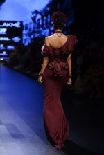 Model walk the ramp for Shantanu and Nikhil Show at Lakme Fashion Week 2016 on 27th Aug 2016 (1419)_57c2d3c52edb0.JPG
