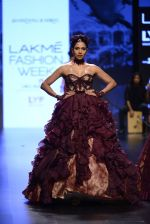 Model walk the ramp for Shantanu and Nikhil Show at Lakme Fashion Week 2016 on 27th Aug 2016 (1437)_57c2d3e9f1e62.JPG