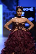 Model walk the ramp for Shantanu and Nikhil Show at Lakme Fashion Week 2016 on 27th Aug 2016 (1444)_57c2d3f84076b.JPG