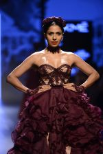 Model walk the ramp for Shantanu and Nikhil Show at Lakme Fashion Week 2016 on 27th Aug 2016 (1446)_57c2d3fce1b40.JPG