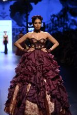 Model walk the ramp for Shantanu and Nikhil Show at Lakme Fashion Week 2016 on 27th Aug 2016 (1450)_57c2d40681609.JPG