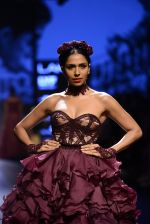 Model walk the ramp for Shantanu and Nikhil Show at Lakme Fashion Week 2016 on 27th Aug 2016 (1451)_57c2d4088f890.JPG