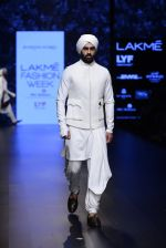 Model walk the ramp for Shantanu and Nikhil Show at Lakme Fashion Week 2016 on 27th Aug 2016 (1761)_57c2d64a6b351.JPG