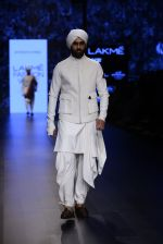 Model walk the ramp for Shantanu and Nikhil Show at Lakme Fashion Week 2016 on 27th Aug 2016 (1764)_57c2d65145325.JPG