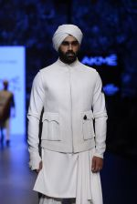 Model walk the ramp for Shantanu and Nikhil Show at Lakme Fashion Week 2016 on 27th Aug 2016 (1767)_57c2d659ebb14.JPG