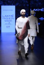 Model walk the ramp for Shantanu and Nikhil Show at Lakme Fashion Week 2016 on 27th Aug 2016 (1774)_57c2d66634507.JPG