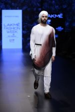 Model walk the ramp for Shantanu and Nikhil Show at Lakme Fashion Week 2016 on 27th Aug 2016 (1776)_57c2d66b7bdb0.JPG
