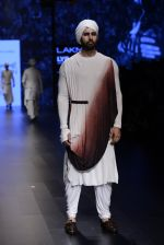 Model walk the ramp for Shantanu and Nikhil Show at Lakme Fashion Week 2016 on 27th Aug 2016 (1782)_57c2d675d0dd6.JPG