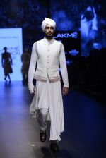 Model walk the ramp for Shantanu and Nikhil Show at Lakme Fashion Week 2016 on 27th Aug 2016 (1791)_57c2d6852363f.JPG