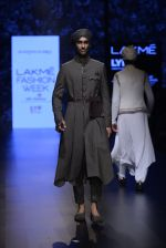 Model walk the ramp for Shantanu and Nikhil Show at Lakme Fashion Week 2016 on 27th Aug 2016 (1797)_57c2d69064d98.JPG
