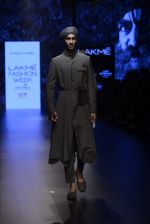 Model walk the ramp for Shantanu and Nikhil Show at Lakme Fashion Week 2016 on 27th Aug 2016 (1799)_57c2d69316491.JPG